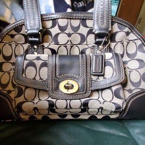 Coach Bags - Gorgeous Coach bag